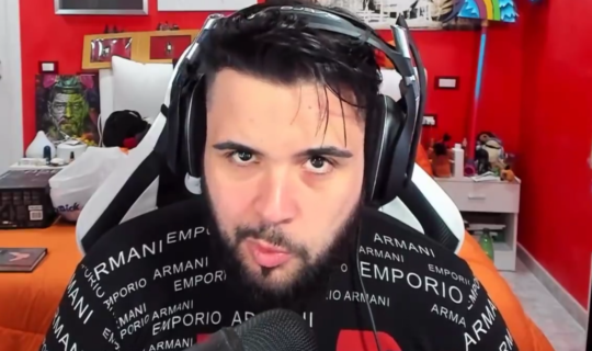 """CiccioGamer89 critica gli YouTuber che usano l'hashtag """"SaveYourInternet"""""""