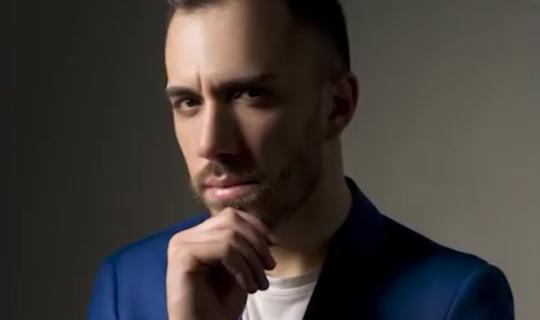 """""""Mi Dissocio"""" è la nuova canzone di Liccardo Rosario"""